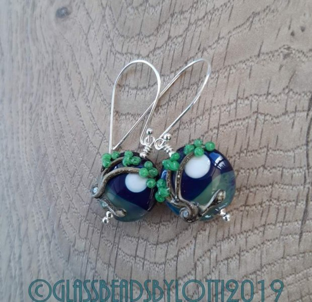 Windy tree bead earrings